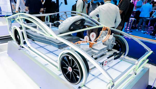 阿克苏诺贝尔薄膜涂料技术解决汽车雷达传输信号难题